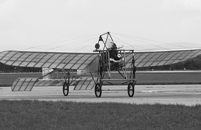 "Orville and Wilbur Wright establish ""flying school"""